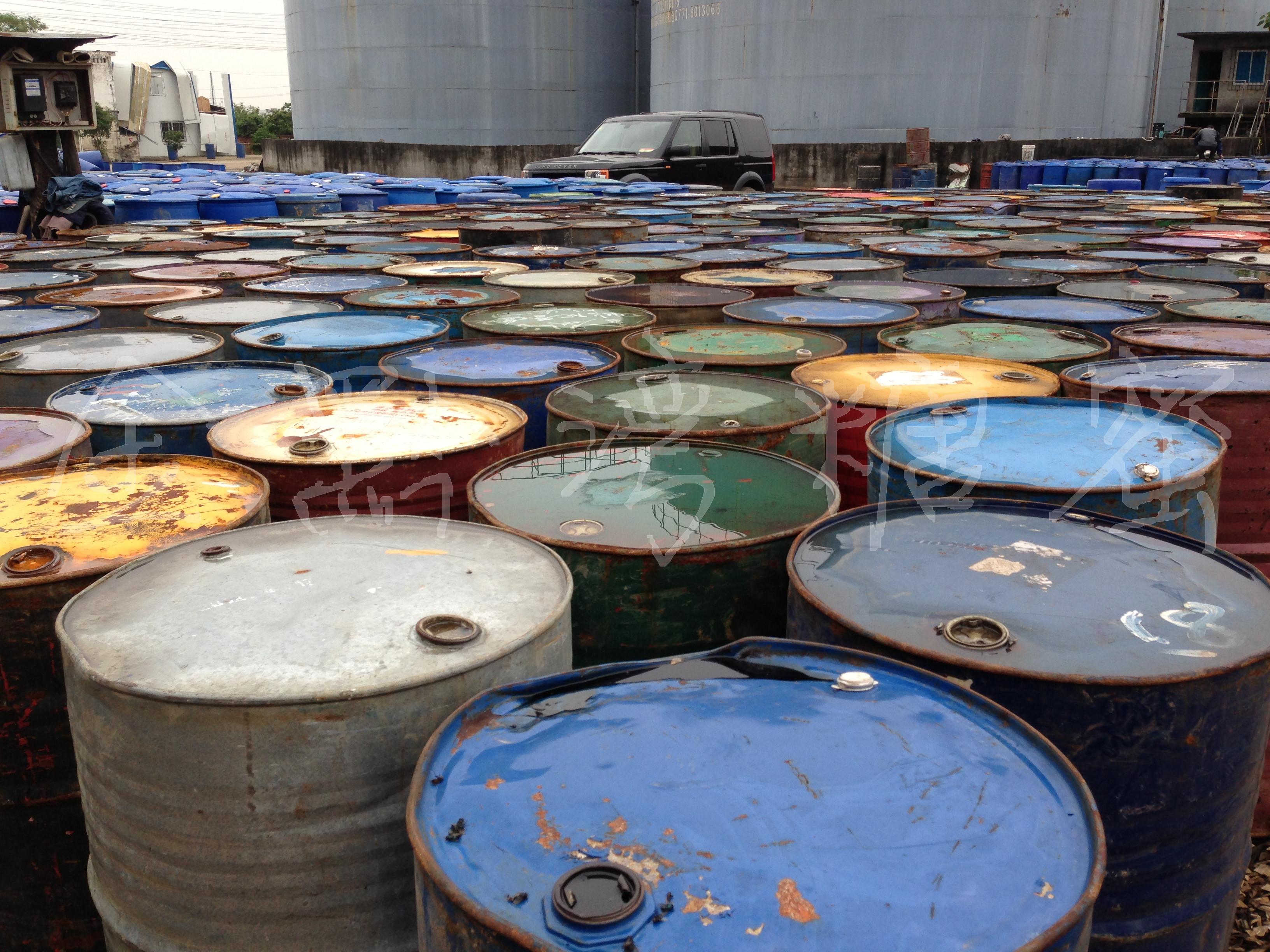 >二手200升铁桶(约可装295公斤)